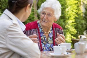 Senior using Phoenix home care