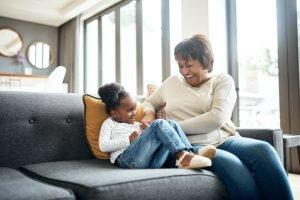 bond between grandparents and granchildren